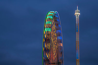 Ferris wheel - p401m2044381 by Frank Baquet