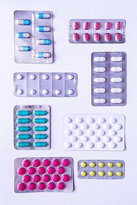 Tablets - p1149m1590674 by Yvonne Röder