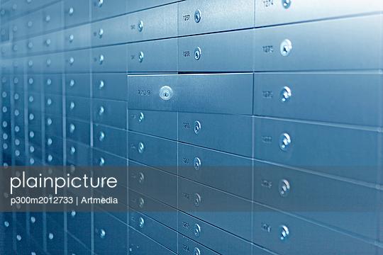 Safe deposit locker - p300m2012733 von Artmedia
