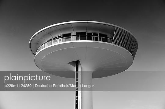 Lighthouse - p229m1124280 von Martin Langer