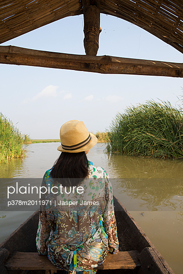p378m2011971 von Jasper James