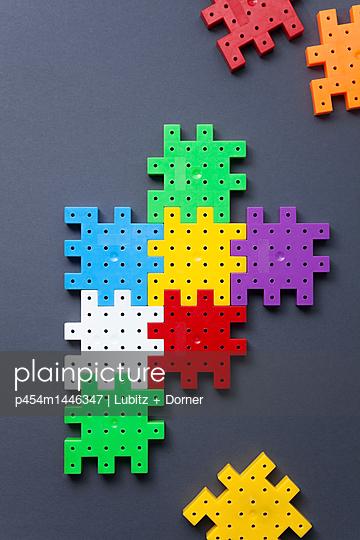 Space left - p454m1446347 by Lubitz + Dorner