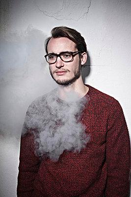 Portrait - p930m739908 von Phillip Gätz