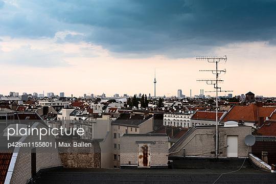 p429m1155801 von Max Bailen