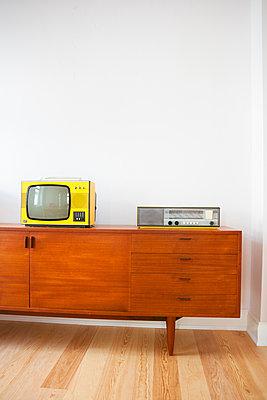 Nostalgische Wohnzimmer-Einrichtung - p432m1480773 von mia takahara
