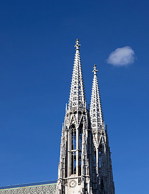 Votive Church, Vienna, Austria - p429m801478 by Alex Holland