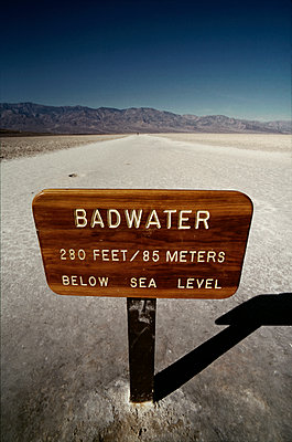 Badwater, Death Valley, California - p1028m2038693 von Jean Marmeisse