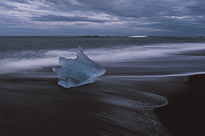 Ice on Iceland - p1507m2028516 by Emma Grann