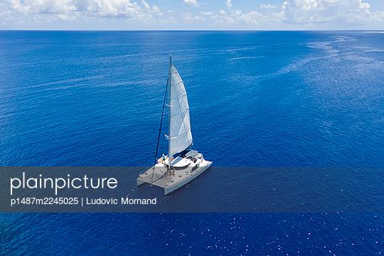Polynesia, Tetiaroa, Catamaran  - p1487m2245025 by Ludovic Mornand