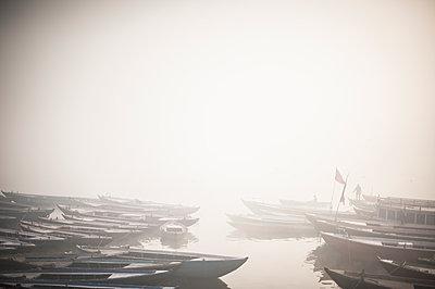 Varanasi - p1007m1059850 by Tilby Vattard