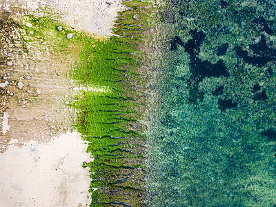 Indonesia, Bali, Padang, Aerial view of Thomas beach - p300m2042585 by Konstantin Trubavin