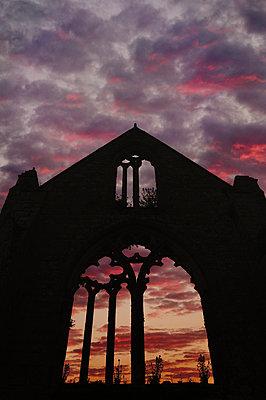 Abbaye de Beauport - p470m2185034 by Ingrid Michel