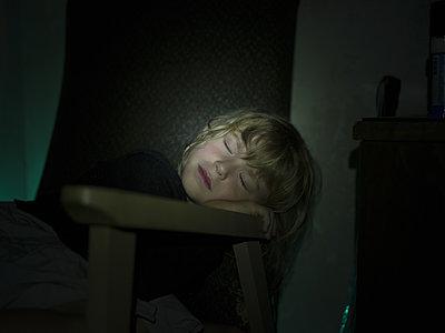 Girl sleeping - p945m1161611 by aurelia frey