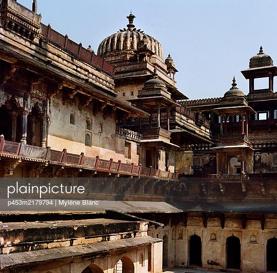 India, Orchha, Jehangir Mahal  - p453m2179794 by Mylène Blanc