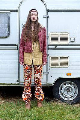 Hippie - p427m899809 by Ralf Mohr