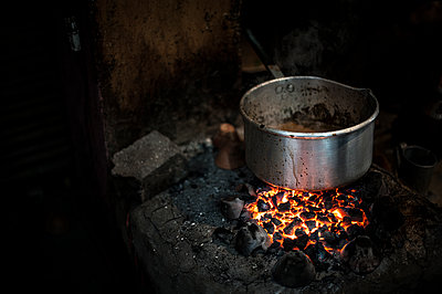 Heating saucepan for cooking tea - p1007m1144426 by Tilby Vattard