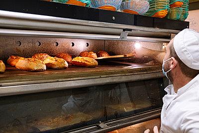 Bakery, Madrid Spain - p300m2243647 von Jose Luis CARRASCOSA
