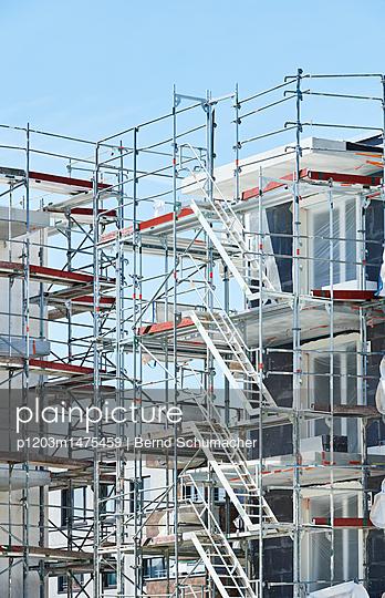 p1203m1475459 by Bernd Schumacher