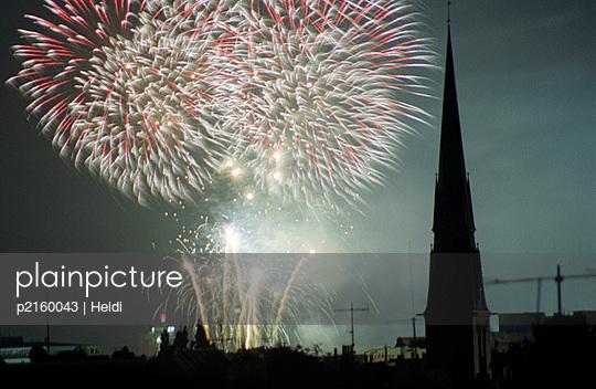 Großes Feuerwerk - p2160043 von Heidi