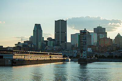 Montreal cityscapes - p1362m1226653 by Charles Knox