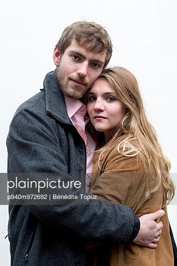 Verliebtes Paar - p940m972692 von Bénédite Topuz