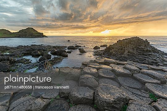 Giants Causeway at sunset, UNESCO World Heritage Site, County Antrim, Ulster, Northern Ireland, United Kingdom, Europe - p871m1480658 by francesco vaninetti