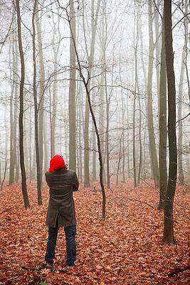 Man in the forest - p902m856579 by Mölleken