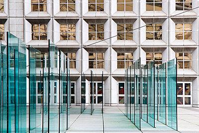 La Défense - p977m919671 by Sandrine Pic