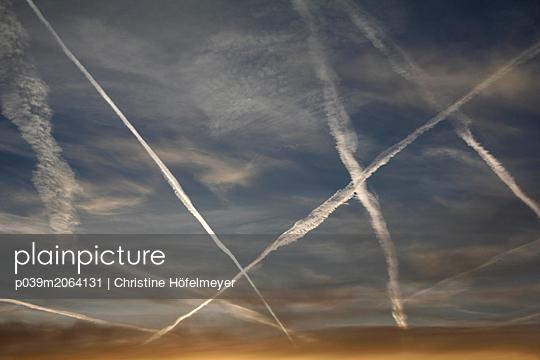 Streifen am Horizont - p039m2064131 von Christine Höfelmeyer