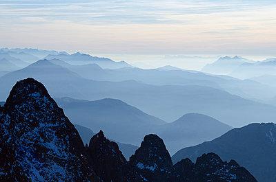 Mountain silhouette, Aiguilles Rouges, Chamonix, Haute-Savoie - p871m819461 by Christian Kober