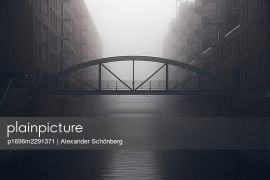 Morning in the Speicherstadt - p1696m2291371 by Alexander Schönberg