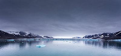 Spitzbergen - p1256m2099746 von Sandra Jordan