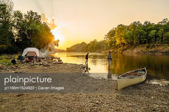 p1166m1524923 von Cavan Images