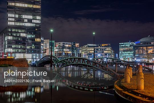 Mediapark Cologne - p401m2222130 by Frank Baquet