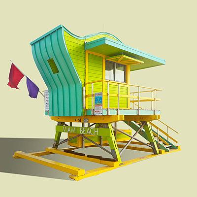 Bunte Hütten der Lebensretter am Strand von Miami Beach - p719m2177998 von Rudi Sebastian