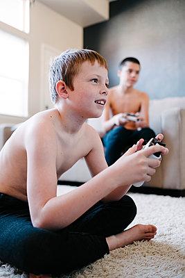 Videospiel - p1262m1198419 von Maryanne Gobble