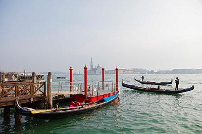 Europe, Italy, Venice, Unesco World Heritage Site, gondola and San Giorgio Maggiore Church across Basino di San Marco - p652m1576220 by Christian Kober