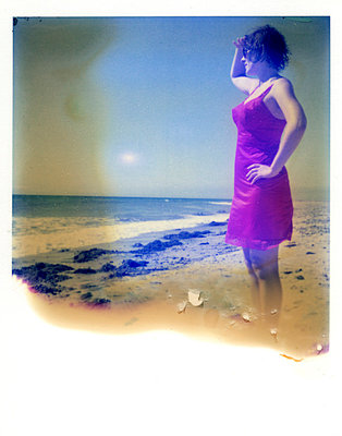 Frau am Strand - p342m729086 von Thorsten Marquardt