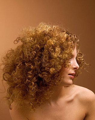 Curls - p4091414 by Tom Menz