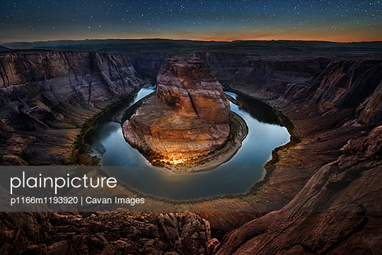 Scenic view of Horseshoe Bend against star field at night - p1166m1193920 by Cavan Images