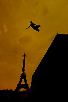 Inline skating - p1028m1586826 by Jean Marmeisse