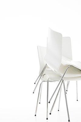 Stuhl - Variationen - p1212m1217439 von harry + lidy