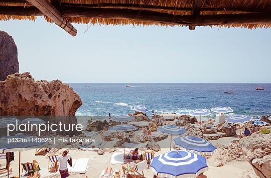 Beachclub auf Capri - p432m1149625 von mia takahara