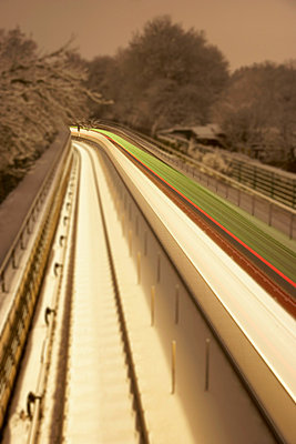 Fast train - p4640952 by Elektrons 08