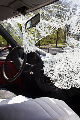 A car with a shattered windshield - p30118940f by Ludger Paffrath