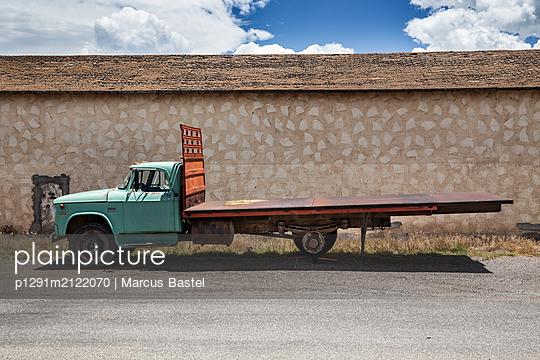 Truck - p1291m2122070 by Marcus Bastel