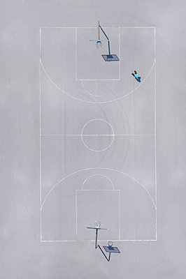 Basketball ground, top view - p300m2219378 by Michael Malorny