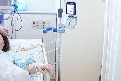 Intravenous drip - p579m2014858 by Yabo