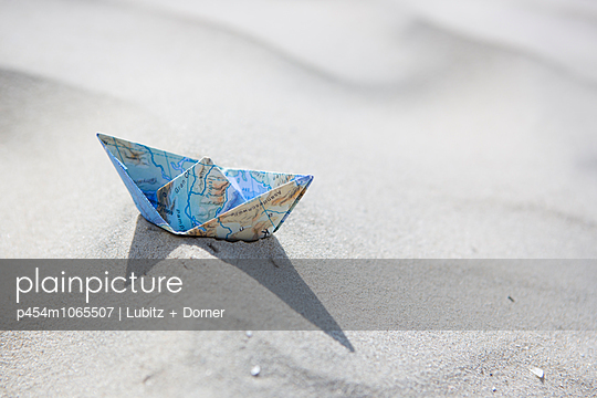 On sandy waves - p454m1065507 by Lubitz + Dorner