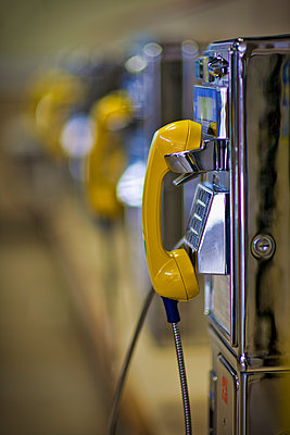 yellow call - p1553m2127009 by matthieu grospiron